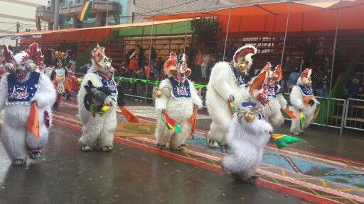 Osos de la Diablada Auténtica de Oruro
