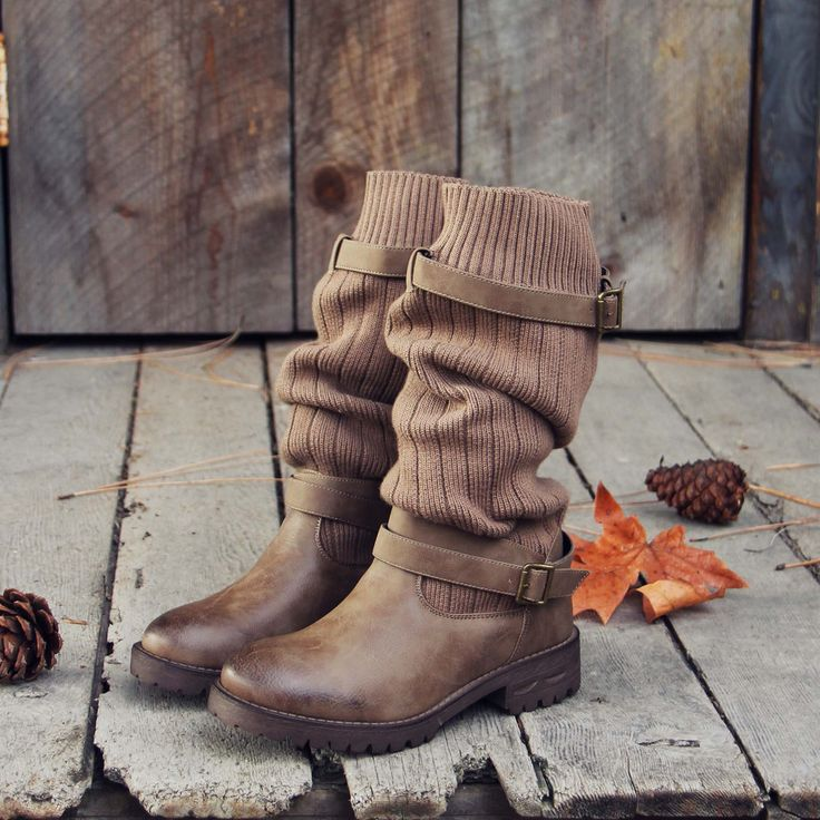 Comfy Cabin Sweater Boots: Alternate View #1