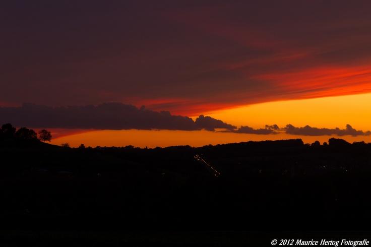 Red and Golden Clouds, Gulpen  Photo © Maurice Hertog Fotografie