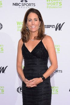 Exclusive: Star U.S. soccer alum Julie Foudy on sugar, 'DWTS,' and white gold