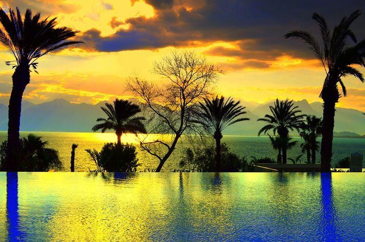 Feeling truly good with wonderful moments...Happy Weekend! #Sunset #FeelGood Bizimle kendinizi çok iyi hissedeceksiniz ...Mutlu hafta sonları!