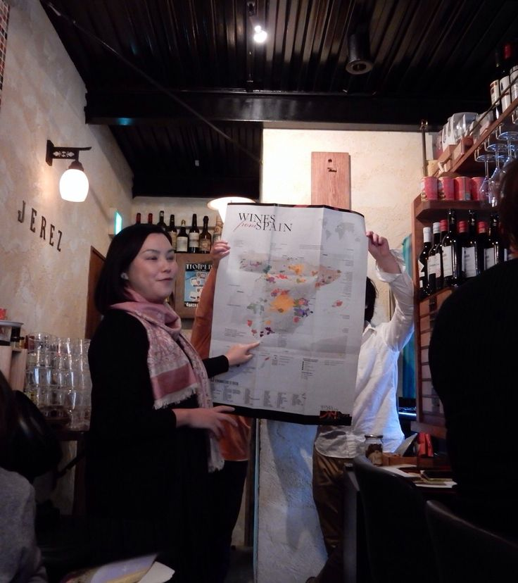 Sherry & Montilla Seminar at Bar ECHEGARAY in Tokyo. Explain about geological background. 2015 March 14