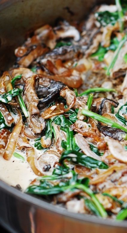 Sautéed Spinach, mushrooms, garlic, and caramelized onions - creamy and flavorful vegetarian dish! It is also great as a side dish with pasta, ravioli, ready made tortellini, or with grilled steak, pork, or chicken. http://JuliasAlbum.com #gluten_free #side_dish_ideas