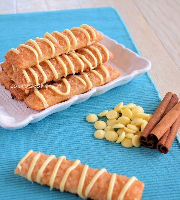 kaneelstengels met witte chocola - Laura's Bakery