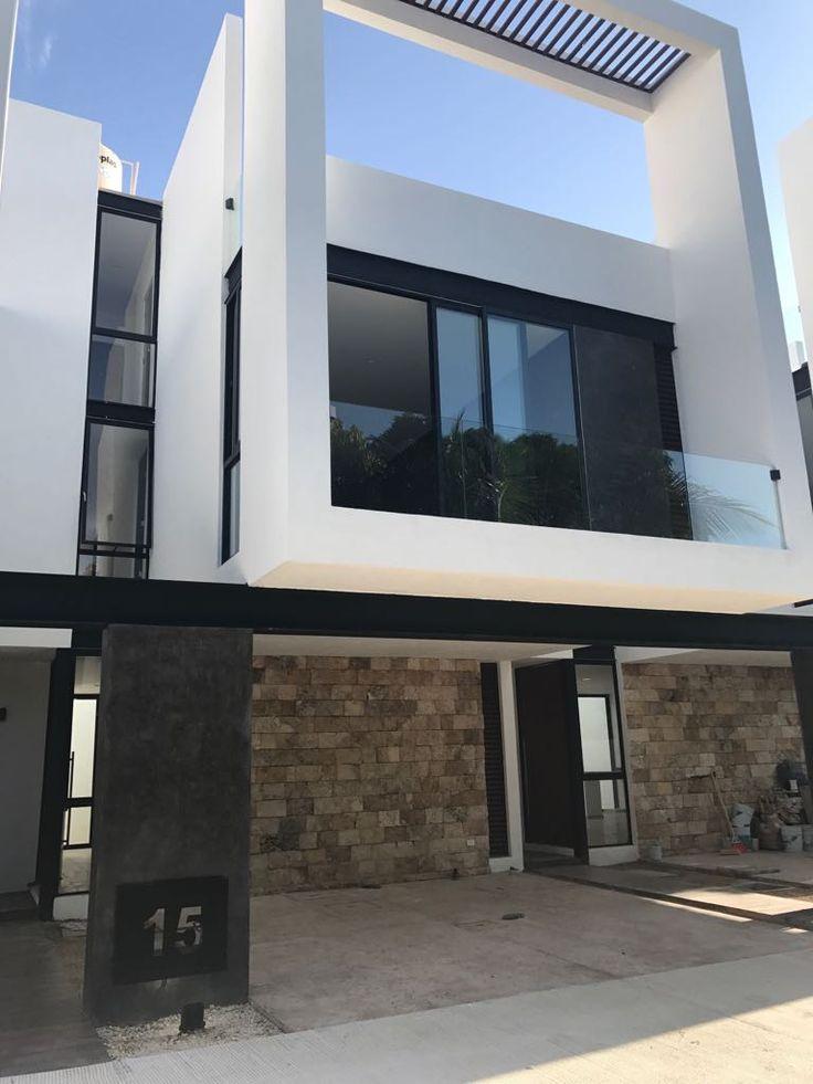 Estrena casa tipo Loft semi-equipado a 3 niveles, ubicado al norte de la cuidad de Mérida, Yucatán. Renta $12,000
