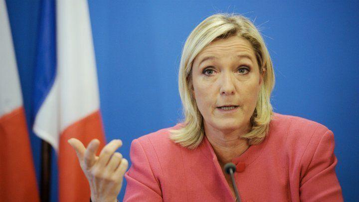 Marine Le Pen topless ? La photo qui affole la toile