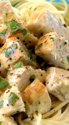 Lemon Garlic Slow Cooker Chicken Recipe Butter, Chicken breasts and Juice