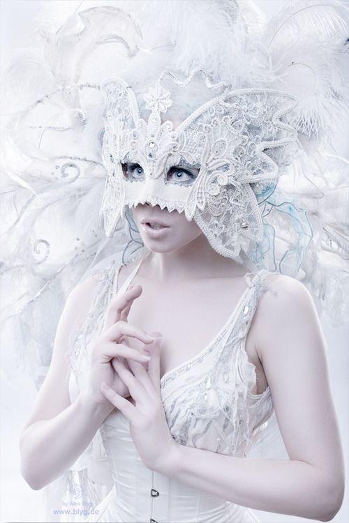 * white masquerade masks