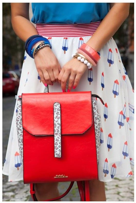 love fashion blog outfit DOCA high waist skirt backpack handbag blue - red outfit