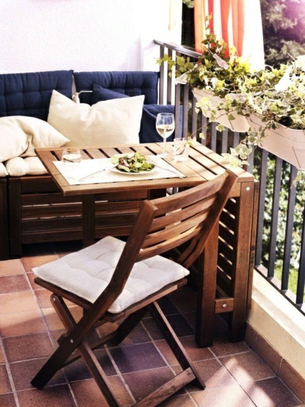 17 best images about balconies porches patios on pinterest for Petite table deco