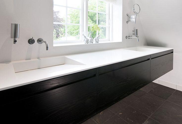 Køkkensnedkeren.dk - Bad RoegetEg - Eksklusive badeværelser i ægte snedkerkvalitet