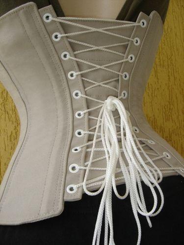 Corset para tight lacing by CondeVlad, via Flickr