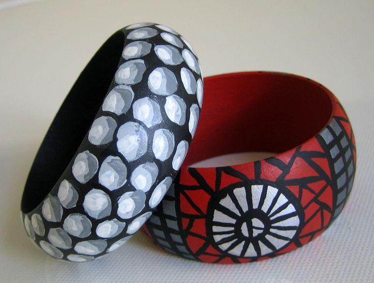 Pulseras TRENCADIS rojo-ancha + PERLAS negra-estrecha