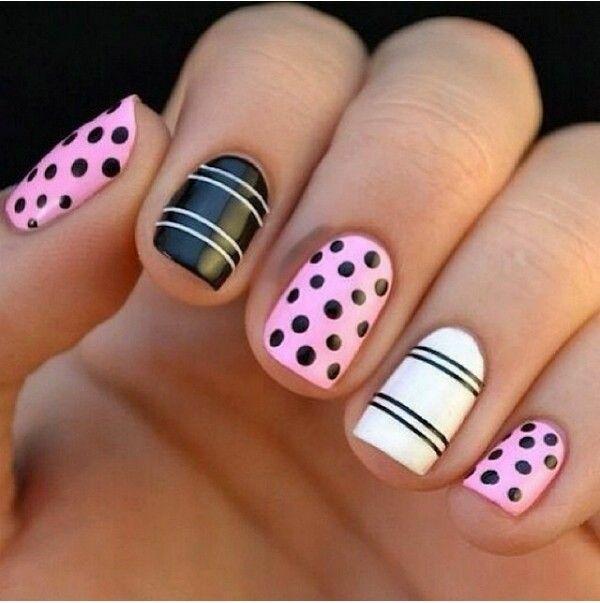 nail art schwarz-weiß und pink