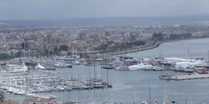 Mole Auf Mallorca Für Megayachten