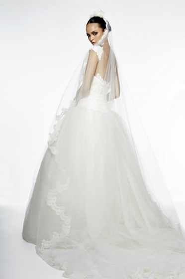 Style Candlelight | Edgardo Bonilla Wedding Dress | Winter Wedding Dresses | Wedding Dress Shops | Designer Wedding Dresses | Wedding Dress Designers | Simple Wedding Dresses | Bridal Shops | Bridal Shop | Bridal Dresses Wedding Dresses | Bridal Gowns | Wedding Dress Ideas