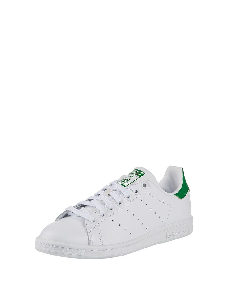 The classic Stan Smith shoe from Adidas Originals is a real eye-catcher in  simple white with green accents. Special highlight are the characteristic  three ...