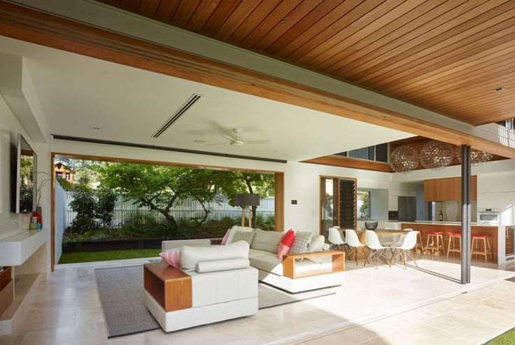 Corner House: A Contemporary Home with Three Courtyards
