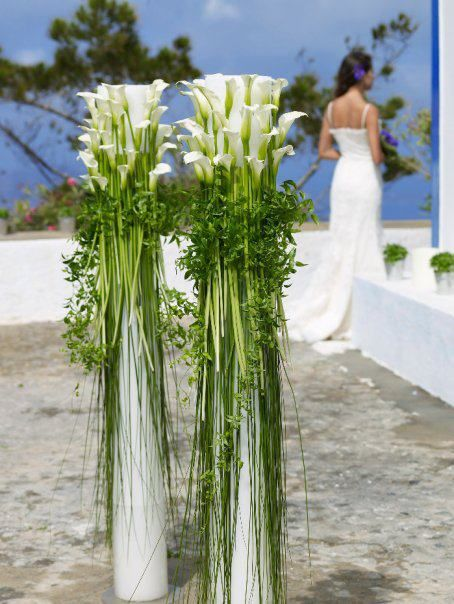 Column Deaign  made of callas Uses are for weddings, and special ocasions.