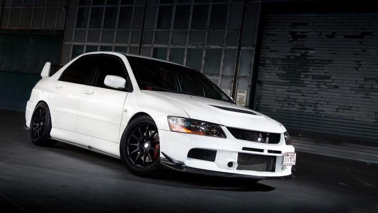 Full White Mitsubishi Lancer Evo IX