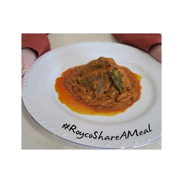 < Salah satu yang paling dikangenin dari pulang kampung ke Padang adalah makan rendang. Di bulan Ramadhan, aku tertantang untuk bikin rendang buatan sendiri. Ternyata gak sesusah yang aku kira lho! Seneng banget liat suami suka masakan aku. Ditambah lagi, masakan ini juga bermanfaat buat orang lain melalui #RoycoShareAMeal. Untuk setiap foto masakan yang kamu buat dan tag @RoycoIndonesia menggunakan hashtag #RoycoShareAMeal, maka Royco akan mendonasikan satu porsi makanan kepada yang…