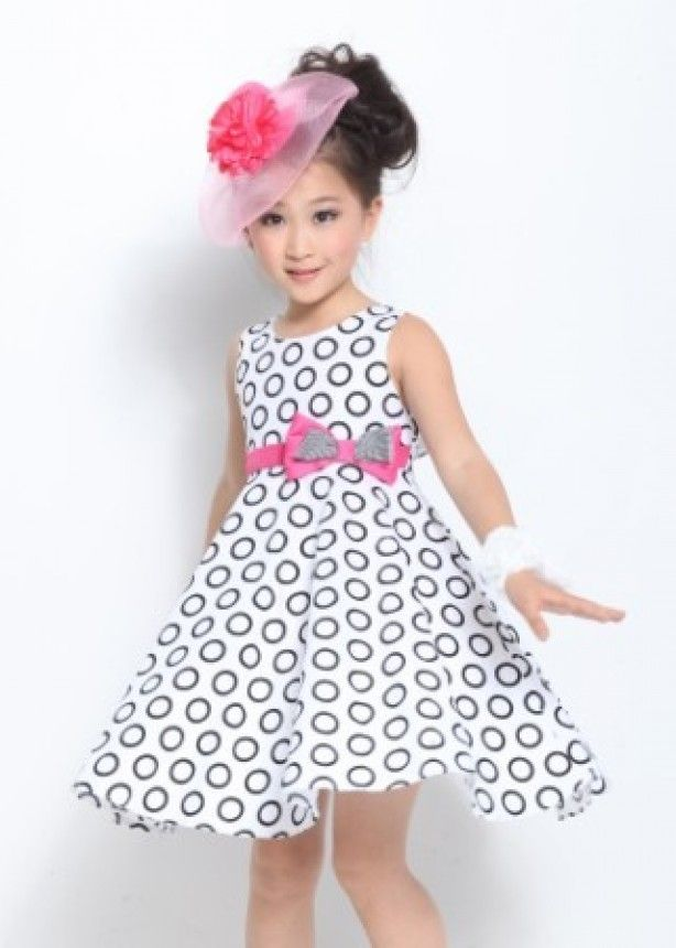 mooi jurkje met patroon en strik