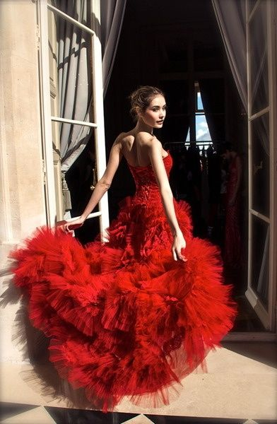 Red Tulle --- #imageconsultant #personalstylist #silkgiftmilan