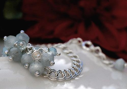 Hint of Mint bracelet by Pako korut.