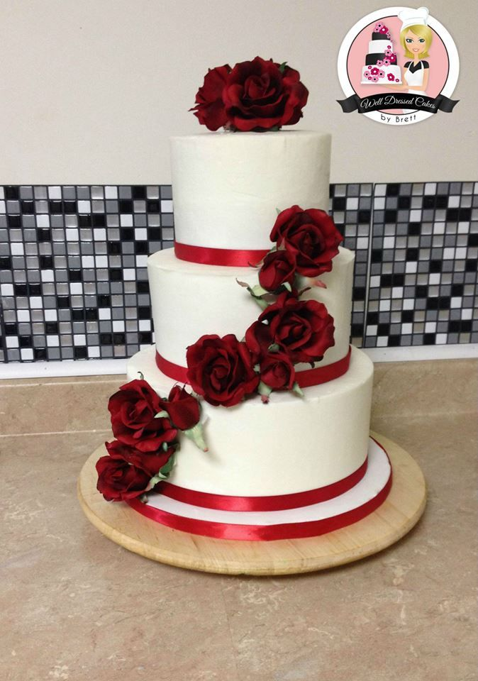 Red Rose buttercream beauty.  Such a gorgeous classic cake. Would be fabulous in any colour!