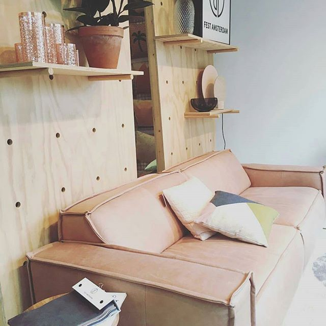 Such a great day in our shop today! Thank you @cynthiavandermoolen for you visit and taking this great photo of our shop window! #festamsterdam #roelofhartstraat #amsterdam #interiorinspiration #interiordesign #homewares #sofa #leather