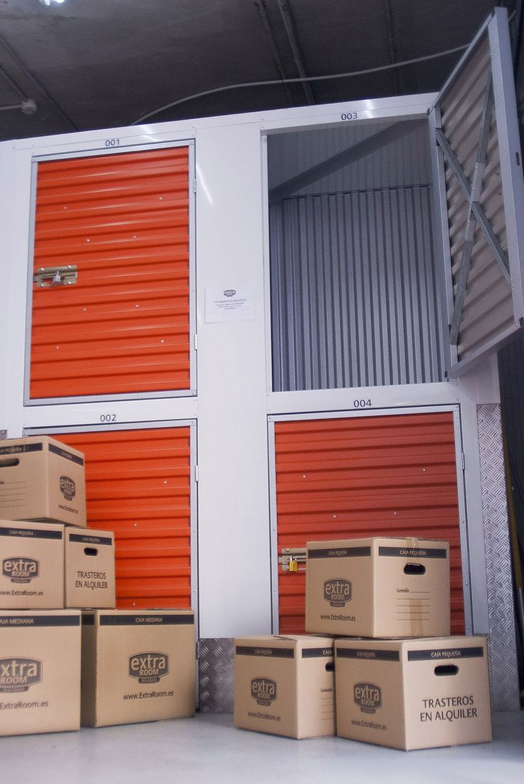 Disponemos de cajas y material de embalaje para proteger tus cosas y te facilitamos un amplio parking de clientes así como todo tipo de carros y carretillas.