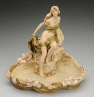 Royal Dux, Dívka s lasturou, secesní porcelán