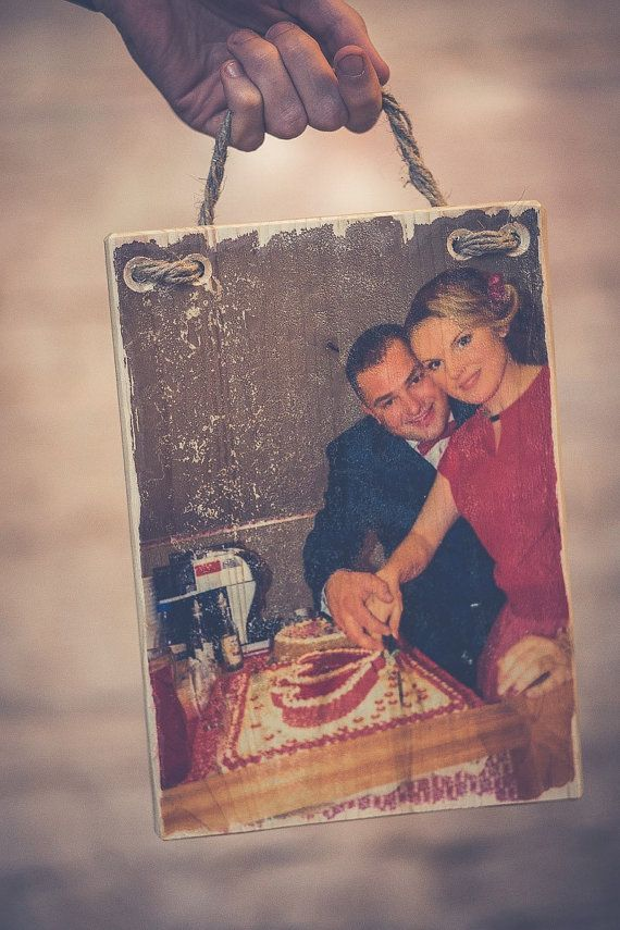 We make a special moment unforgettable. Transfer your photos on wood!