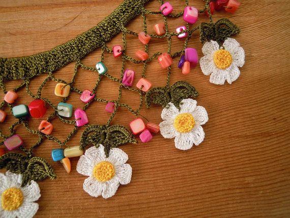 Crochet bib necklace daisy by PashaBodrum on Etsy