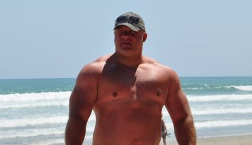 Beefymusclemuscle Com: 38 Best Images About Hot Stocky Boys On Pinterest