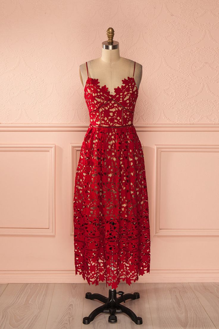 Robe trapèze mi-longue dentelle rouge bretelles fines - Red lace thin straps a-line mid-length dress