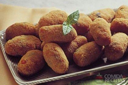 Receita de Croquete de azeitonas em receitas de salgados, veja essa e outras receitas aqui!