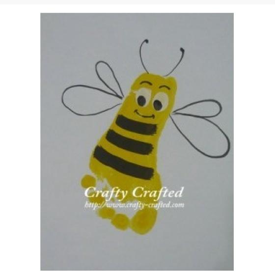 Cute summer craft: Hands Prints, Footprint Art, Crafts Ideas, Footprint Crafts, Foot Prints, Crafts Kids, Bees Footprint, Bumble Bees, Footprint Bees