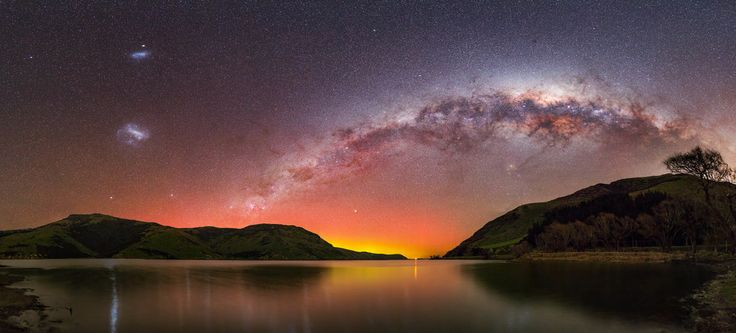 """The best time to take Milky Way photos is in Winter, says Dickinson. """"They're shot in Winter on new moon weekends. You really want new moon, because [as the moon gets larger] it causes light issues.""""   These Breathtaking Photos Of The Milky Way Will Make You Feel Incredibly Small"""