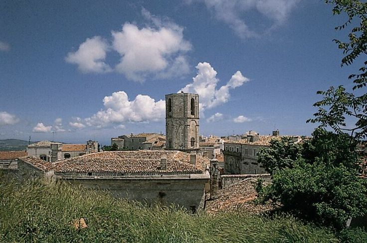Tourist Route based on the Roman roads, the Via Appia and Via Appia Traiana, to discover the wonderful Apulian lands...