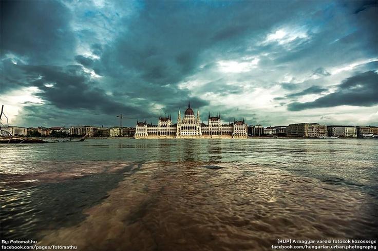 Budapest | Flood 2013. Photostream. credit: Fotomat hu. Follow on Fb https://www.facebook.com/BudapestPocketGuide & on Google+ @ https://plus.google.com/115990222400409382986/posts  #budapest #flood