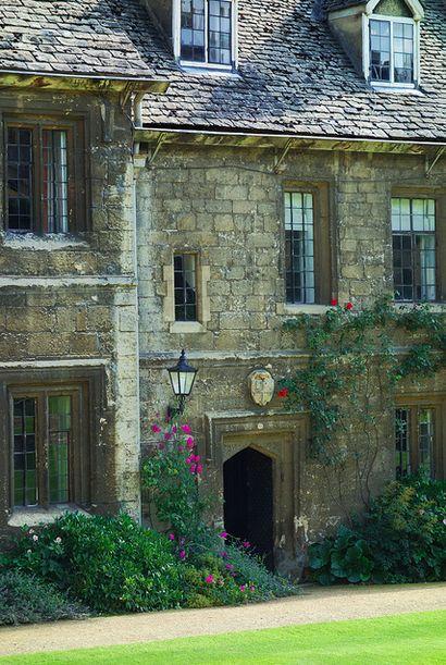 Worcester College Quad, Oxford University - Jennifer Gosnell