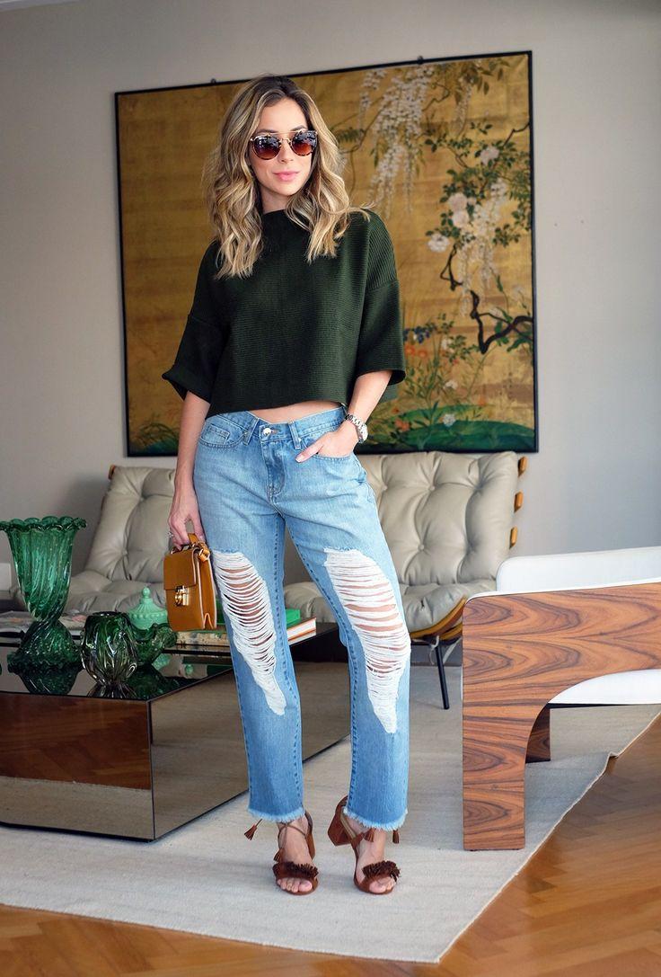 Look casual de Helena Lunardelli: jeans boyfriend super cool com malha verde militar, super tendência!