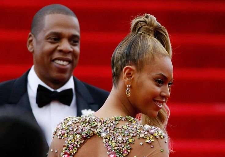 Jay-Z and Beyoncé are both at the top of their game but despite Jay-Z's domination of the charts with his 14th No. 1 album '4:44', Beyoncé reigns with the highest ticket prices between the two. Fans pay roughly $166 a ticket for Jay-Z versus Beyoncé's average ticket price of $207. Find out more about the superstar couple's fortunes at the link in our bio.