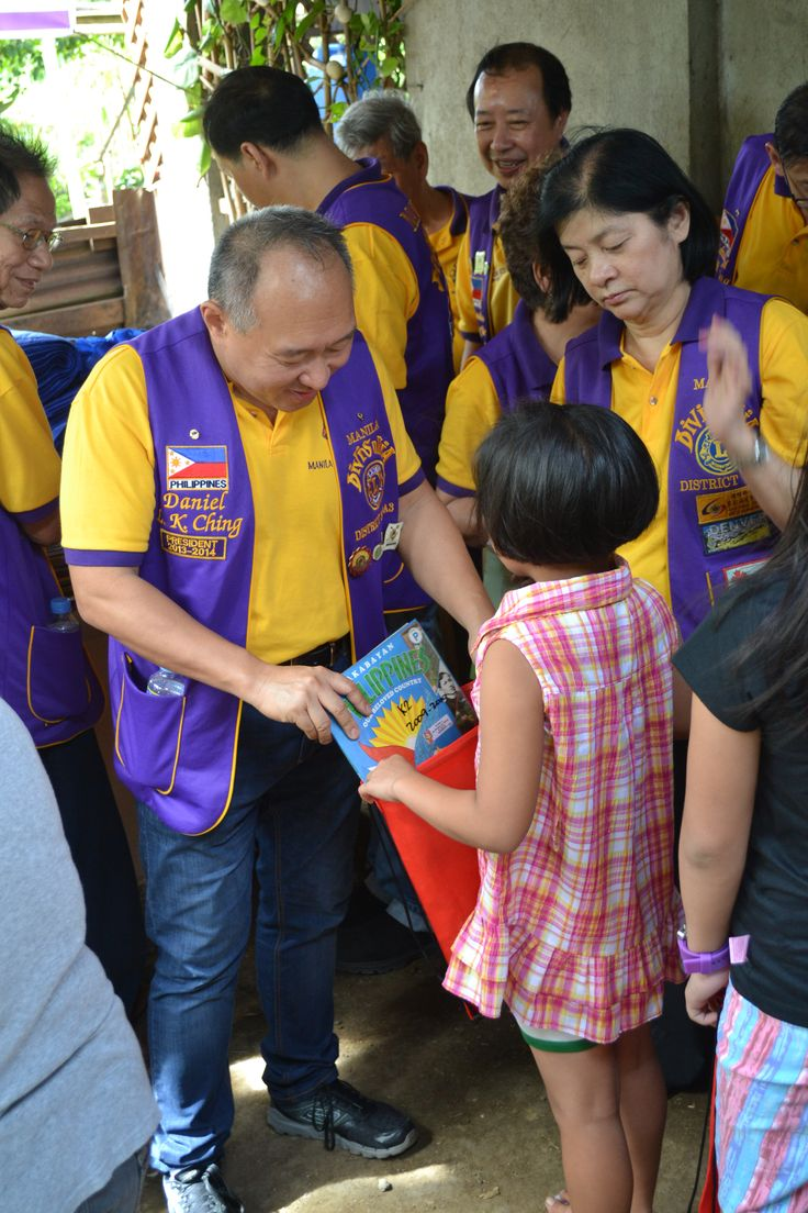 Manila Divisoria #LionsClub (Philippines) held a Reading Action Program and distributed books to children