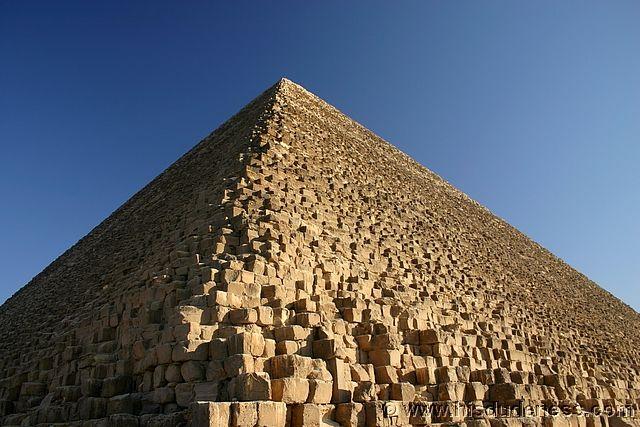 The-Great-Pyramid-of-Giza.jpg (640×427)
