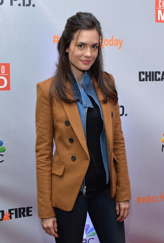 """Torrey DeVitto Reveals How Nanny Carrie Went From 'One Tree Hill' """"Babysitter"""" To Much More"""