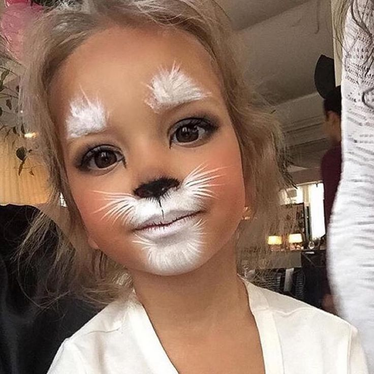 Cute kids makeup idea! http://www.glendalehalloween.com/ >> #Glendale_Halloween #Makeup #Kids #Costumes