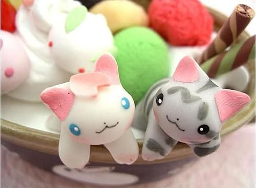 These are desserts made by a Japanese food artist. All of their food is edible and it's all adorable!