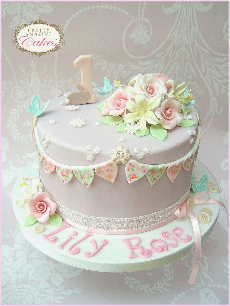 Christening Cake Design For Baby Girl : 1000+ ideas about Christening Cakes on Pinterest Baptism ...